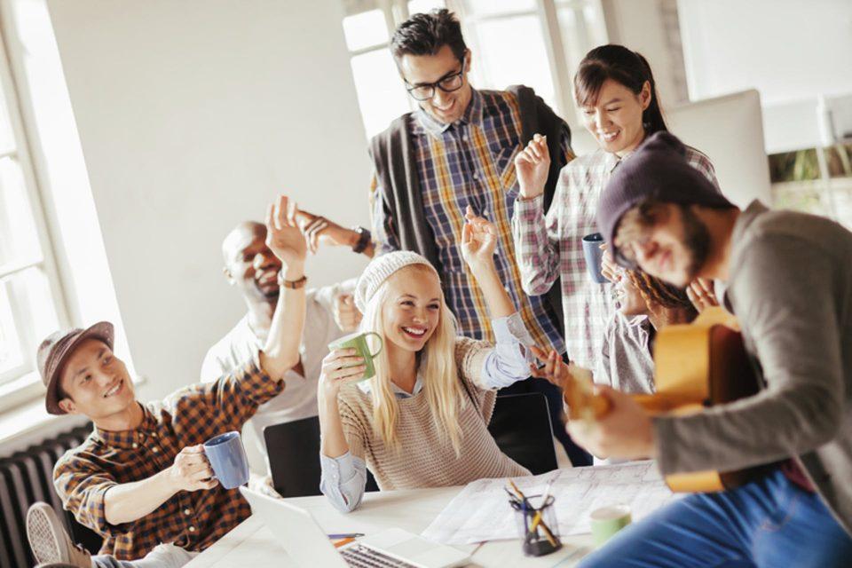 5 начини да ви биде позабавно на работа