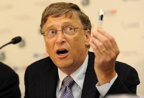 Бил Гејтс: Трговската војна ќе влијае на економијата, а тоа што го прави Трамп е алармантно