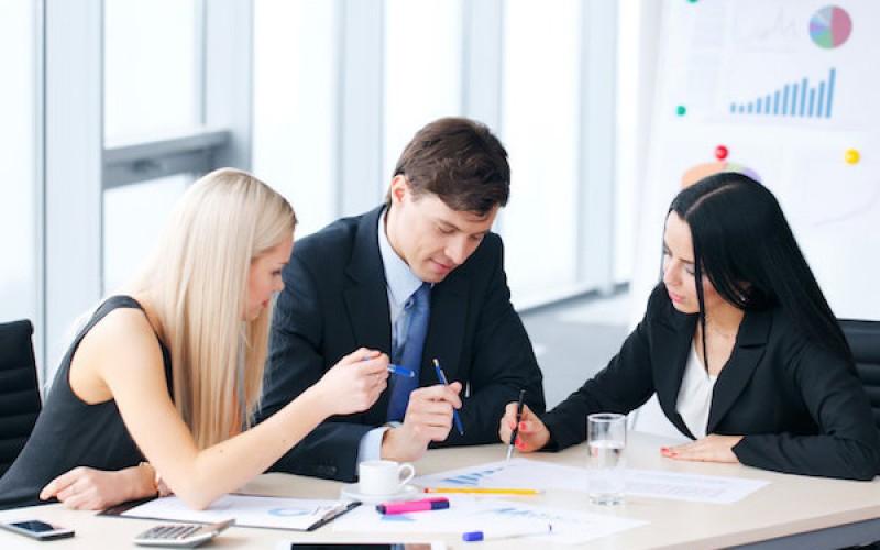 Доколку сакате да инвестирате а сте почетници, еве неколку корисни совети за вас
