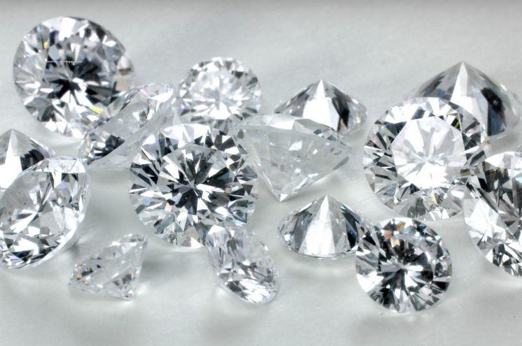 Продаден еден од најретките дијаманти