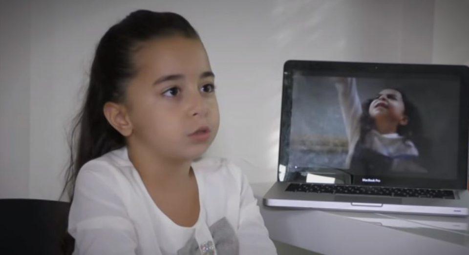 Српските медиуми ја посетија Мелек во вистинскиот дом: Ќе се воодушевите од оваа мала, но сјајна ѕвезда (ВИДЕО)