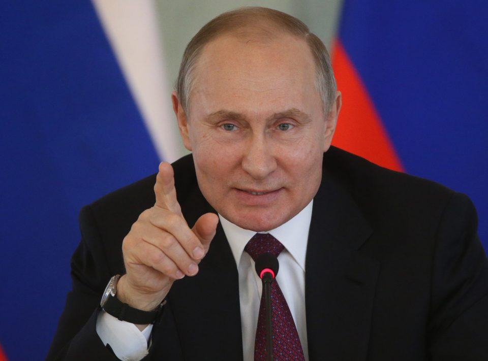 """Путин потпиша закон за контра-санкции против САД и други """"непријателски држави"""""""