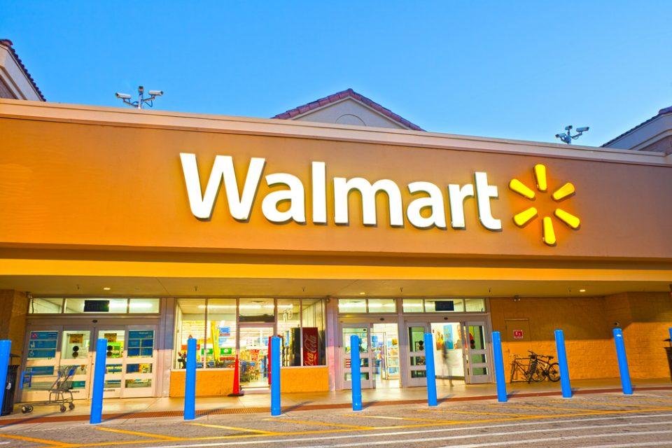 """Се очекува """"Walmart"""" да го претекне """"Apple"""" во големина како продавач на мало"""