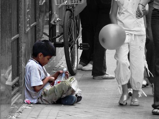 Сиромаштијата зема замав – највеќе се погодени децата