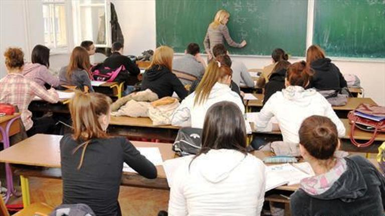 Во средните училишта запишани 11 697 ученици, второто пријавување на 28 јуни