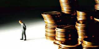 Живот на рати – просечниот Македонец должи 1.250 евра!