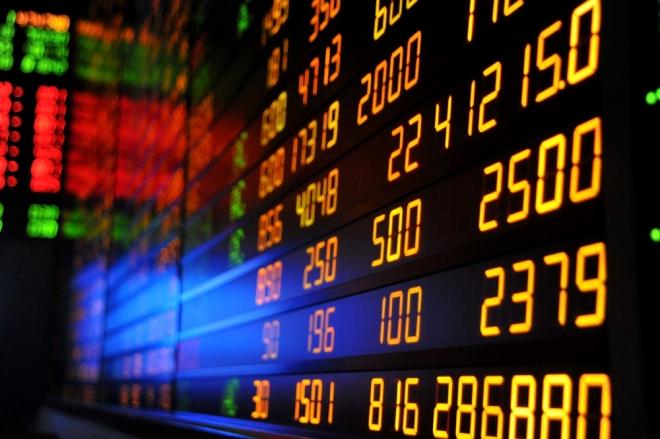 Јазот помеѓу краткорочните и долгорочните државни хартии од вредност може да сигнализираат зголемен ризик за рецесија во САД