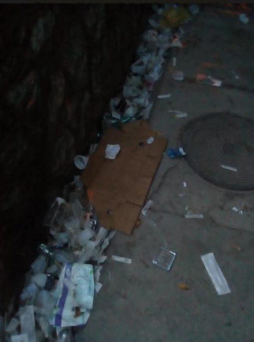 ФОТО: Состојбата околу Центарот за зависници се полоша, фрлени игли и шприцови на пет метри од куќите – граѓаните стравуваат, надлежните одолговлекуваат