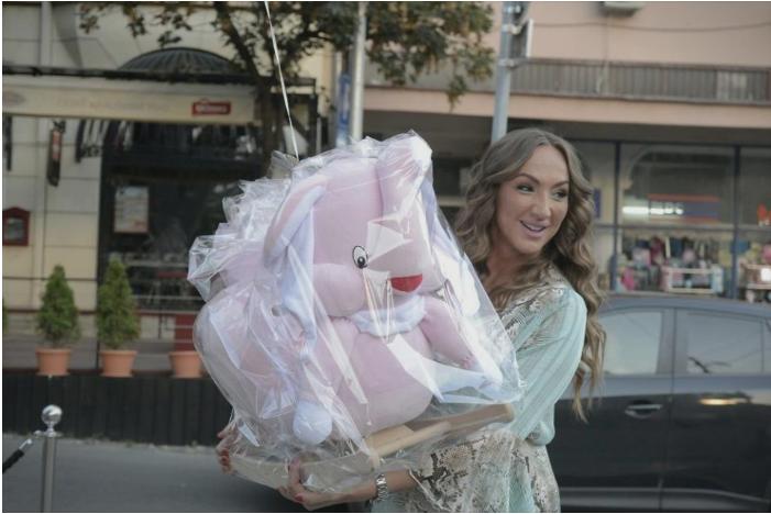 Најскапото породување на естрадата: Српската пејачка месечно двои по 2 илјади евра, а од вкупната сума ќе се онесвестите