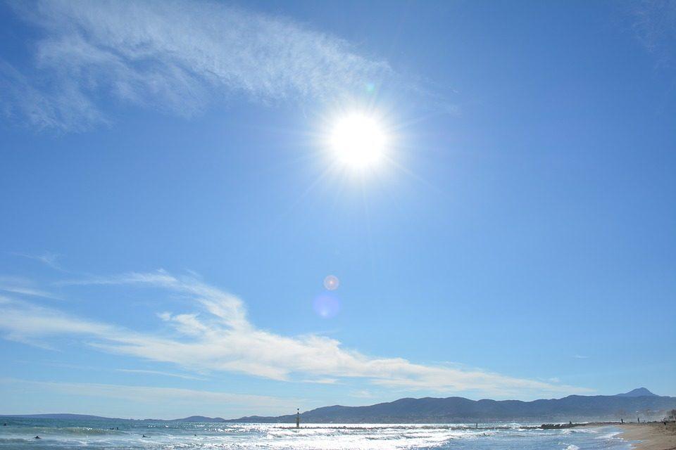 Времето денеска сончево со слаб јужен ветер
