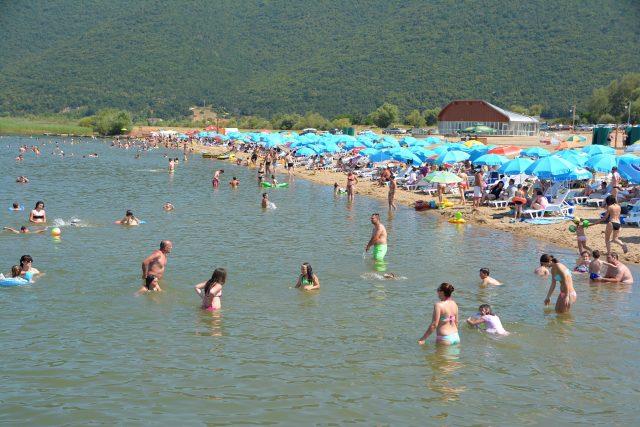 Преспанското крајбрежје полно, потребни се сместувачки капацитети