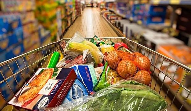 Раст на трошоците на живот – се повеќе леб и компир, се помалку месо и риба
