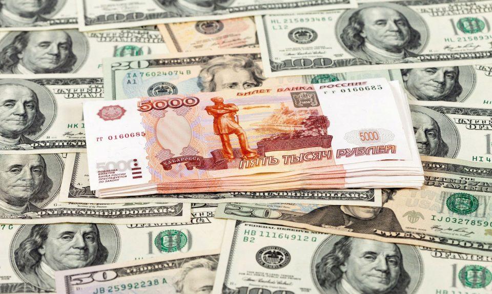 Москва со нови контра мерки  кон САД : ќе го замени доларот со еврото и рубљата