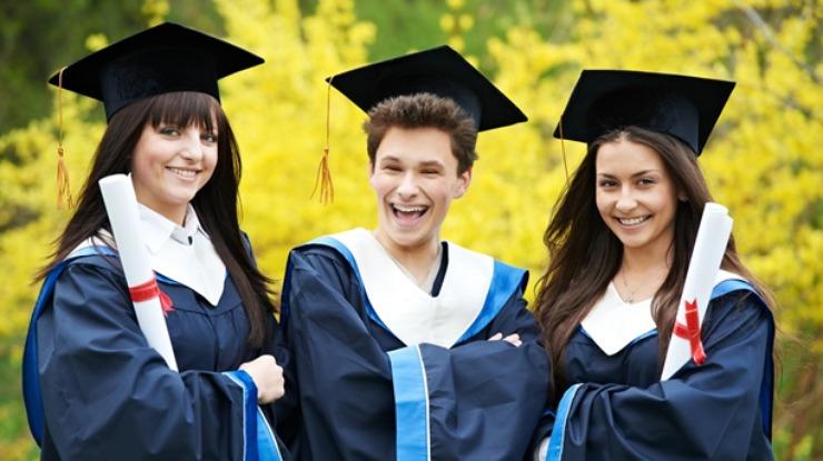 Предреферендумска инјекција и за учениците и студентите – Владата доделува околу 1000 стипендии