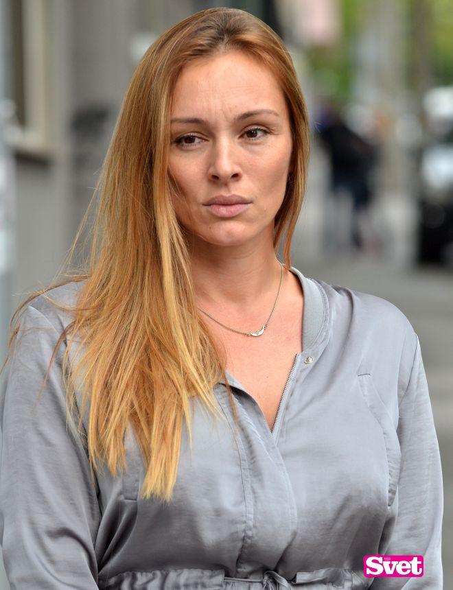 Анабела конечно се огласи по шпекулациите за разводот и одземањето на имотот