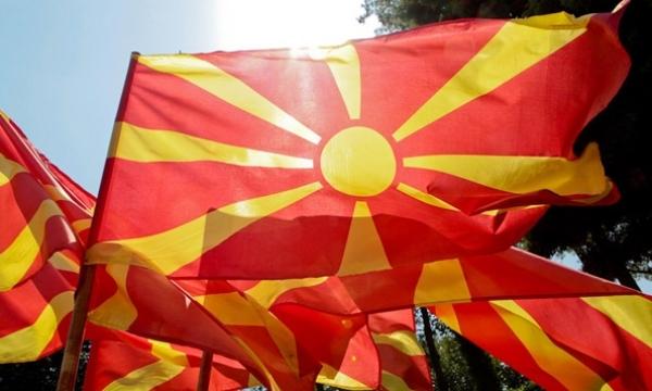 """Социјалните мрежи вријат по промената на името од страна на СДСМ и Заев: """"Ги искрваривте срцата на чистите Македонци"""" (ФОТО)"""
