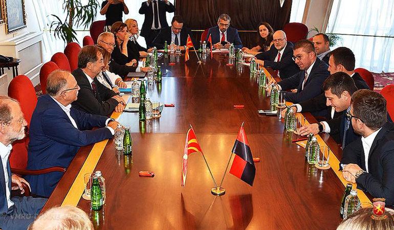 Мицкоски се сретна со Мешовитиот парламентарен комитет ЕУ-РМ