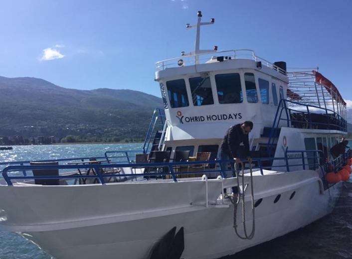 Дузина чамци казнети за цела летна сезона, санкциониран и таткото на малиот Марко