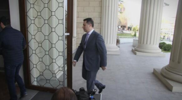 """""""Провладините медиуми"""" го лоцираа Груевски, граѓаните со сомнеж дека се ѐ договор"""