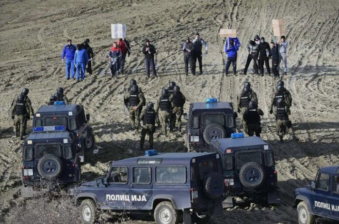 МВР вежба справување со демонстранти кои бараат леб. Дали Владата очекува социјални немири?