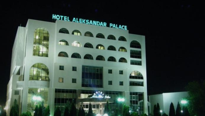 """Пукање во хотелот """"Александар Палас"""" (ФОТО)"""