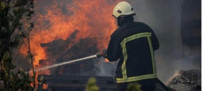 Пожар во стан во Велес, сопственичката е пренесена во болница