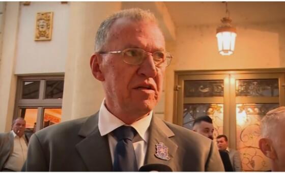 """Јаковлески: Една соседна држава ќе објави """"бомби"""" за Заев"""