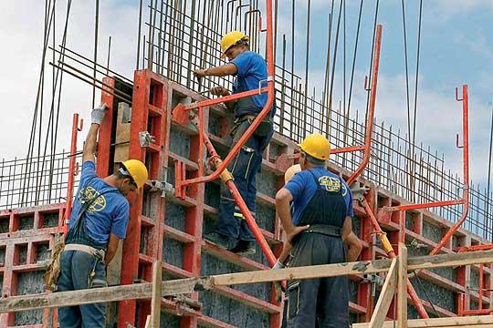 Пад во градежништвото- Издадени 3, 6 %  помалку  одобренија за градба во однос на  месец април  од претходната година
