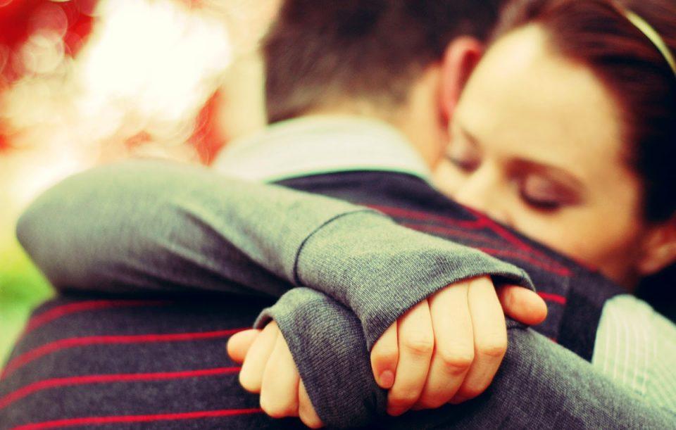 Дали ја сакаме личноста, ако се осудиме да ја изневериме?