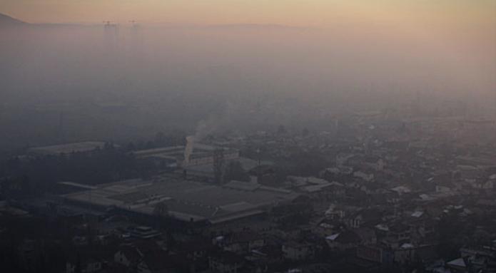 Скопје утрово најзагаден град во светот- граѓаните со месеци дишат канцероген воздух, власта не наоѓа решение (ФОТО)