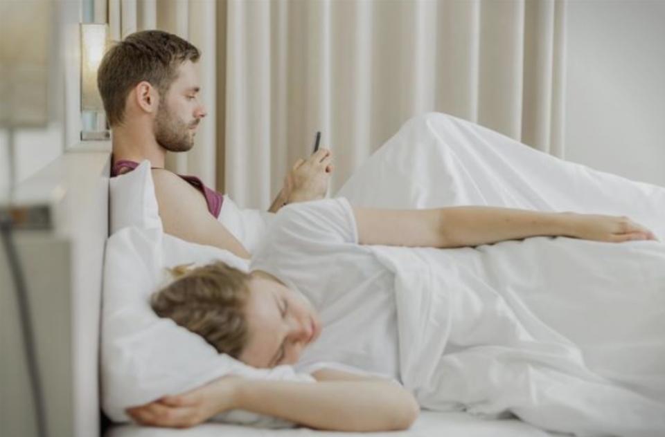 На својот смартфон поминувате прбилижно 36 дена годишно