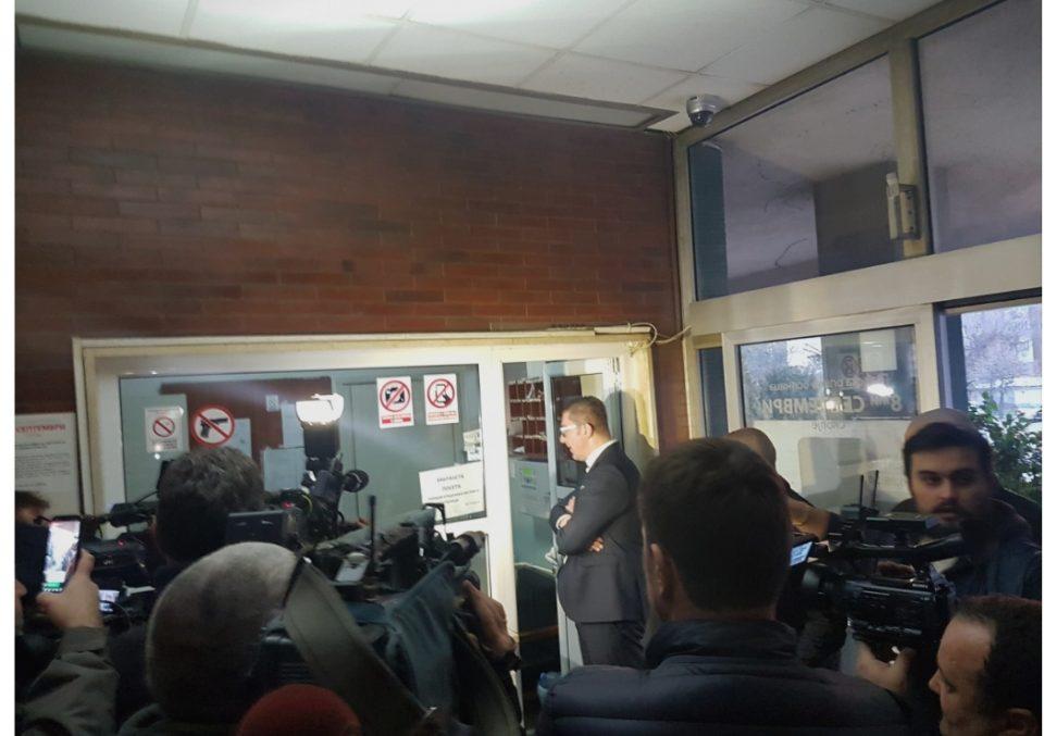 """ФОТО: Мицкоски во посета на претепаниот Јанакиески во ГОБ """"8 Септември"""""""