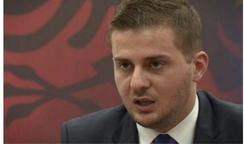 Албанскиот министер за надворешни работи Гент Цакај во осета на земјава