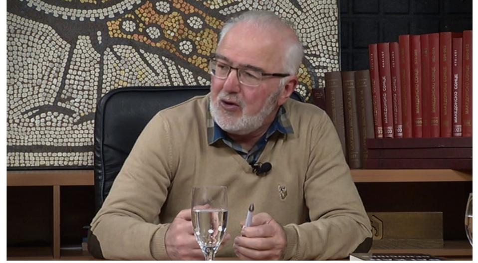 Чепреганов: Јас не мислам на студентите да им предавам нешто за Северна Македонија