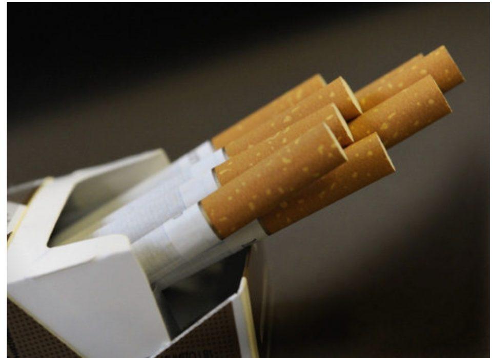 Поскапуваат цигарите во Македонија- една кутија ќе чини и до 300 денари
