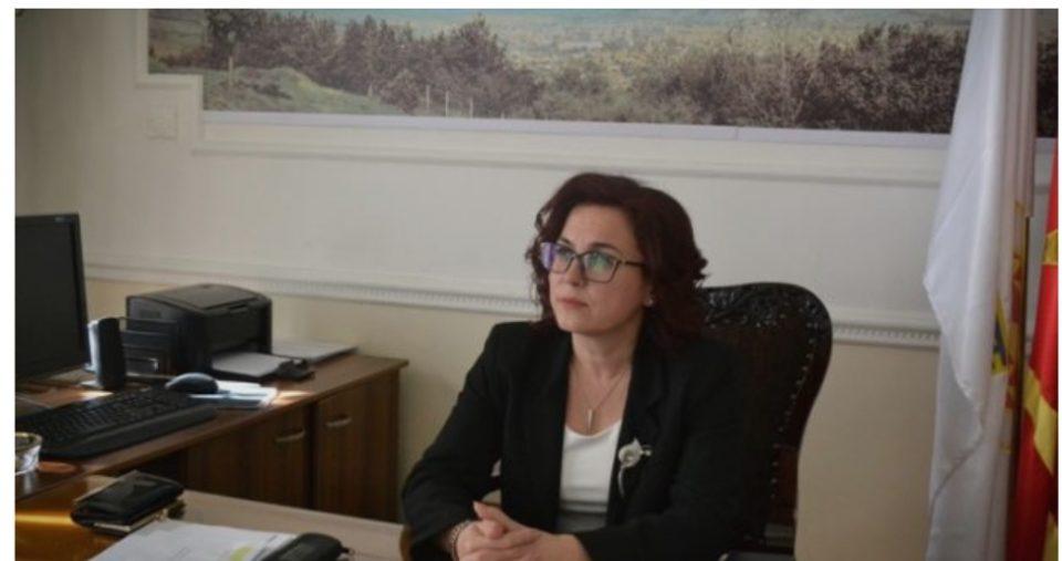 Нов случај на непотизам: Градоначалничката на Битола си го вработила и братучедот (ФОТО)