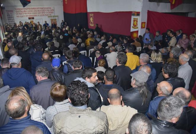 Истокот на нозе против власта, во еден глас стотици луѓе со Мицкоски: Македонија!