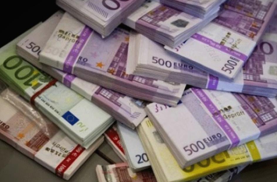 Се зголемува бројот на милионери во банките на Европската Унија