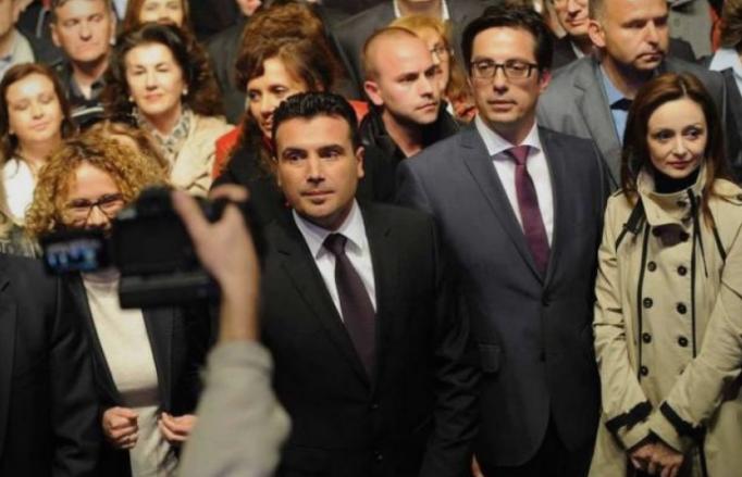 ВМРО-ДПМНЕ: Заев и Пендаровски се фатени живи како крадат лични податоци на граѓаните