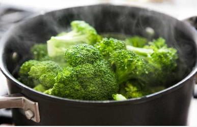 Се за диетата од брокули: Килограмите ги намалува како од шега, а нејзиното мени е големо изненадување