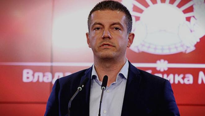 Манчевски призна дека не е задоволен од својата работа, образованите кадри си бегаат од администрацијата посебно од министерствата