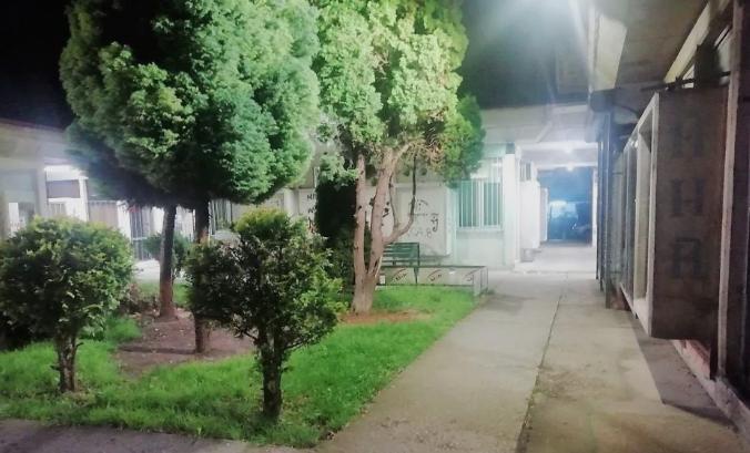 Светна мизеријата во населба Лисиче: Со осветлување од 2,2 милиони не може да се сокрие вистинската слика за трговскиот (ГАЛЕРИЈА)