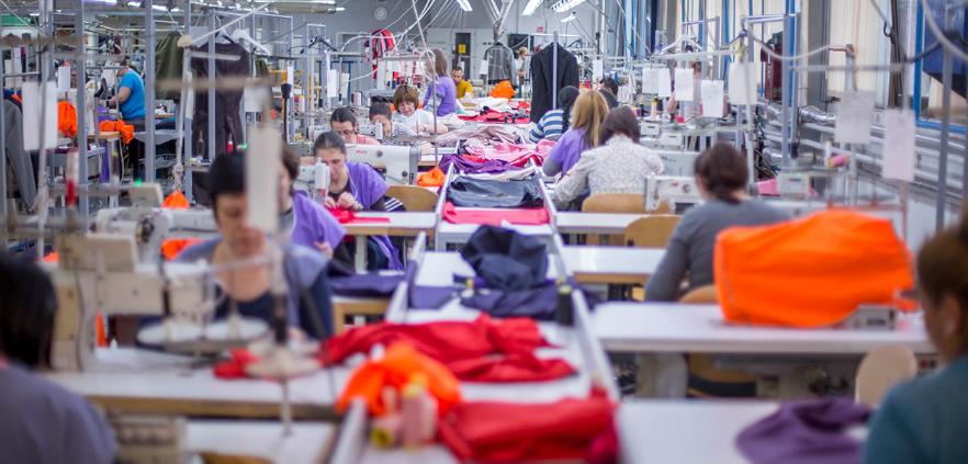 Бројот на вработените во текстилната индустрија е нaмaлен од три до пет отсто