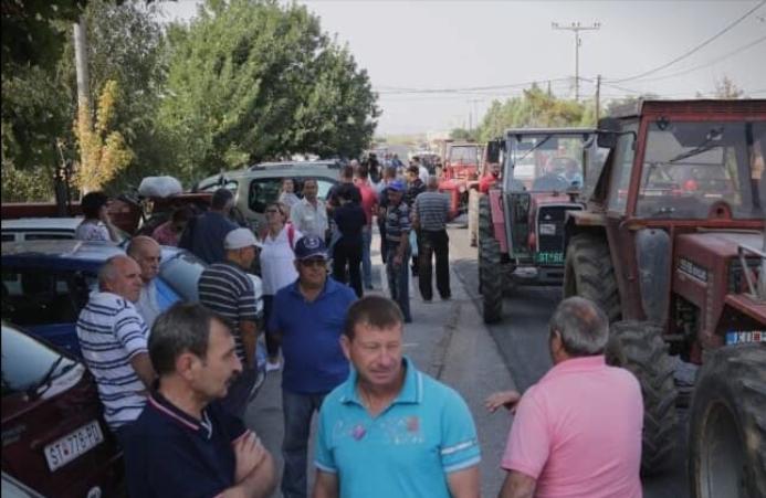 Владата заборави на ветувањата кои им ги даваше: Оризарите изреволтирани излегоа на протест (ФОТО)