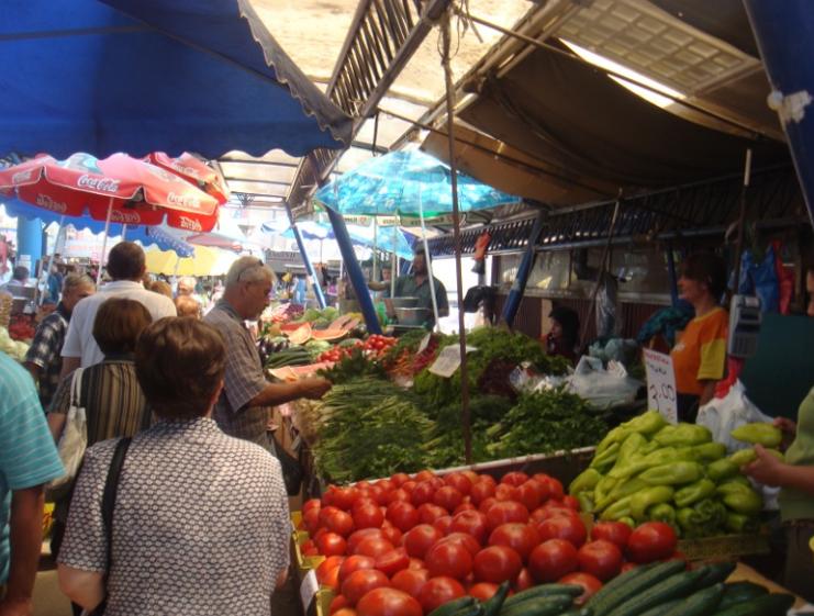 Се бара укинување на законот кој ќе им ги зголеми давачките на пазарџиите од 2020 година