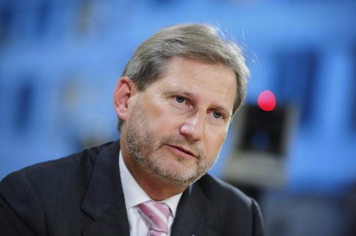 Хан на Твитер: ЕУ не додели датум за преговори со Македонија