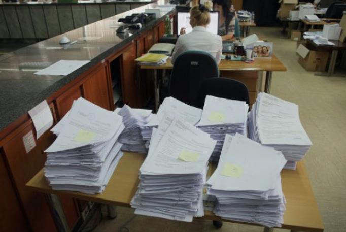 Нема крај за предизборните вработувања во јавната администрација- се нудат плати и над 54 илјади денари
