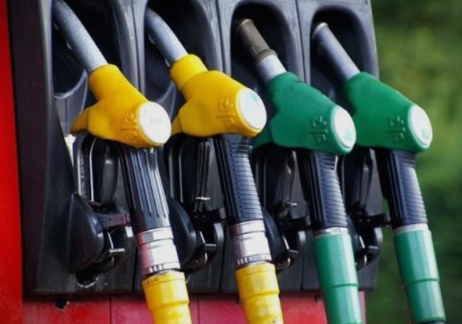 ПОСКАПУВААТ ГОРИВАТА: Од полноќ, бензините и дизелот со нова цена