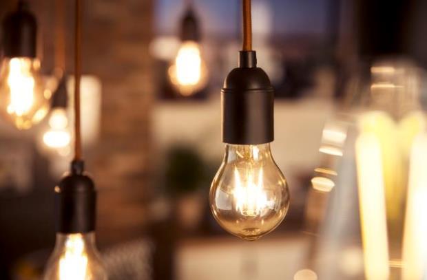 Вучиќ: Македонија има скапа струја, Србите со повисоки плати плаќаат поевтина струја