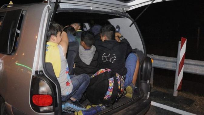 """""""Едно општество за сите"""": Арачиновец фатен кај Струмица со 36 лица од Сирија, Ирак, Пакистан, Авганистан и Камерун"""